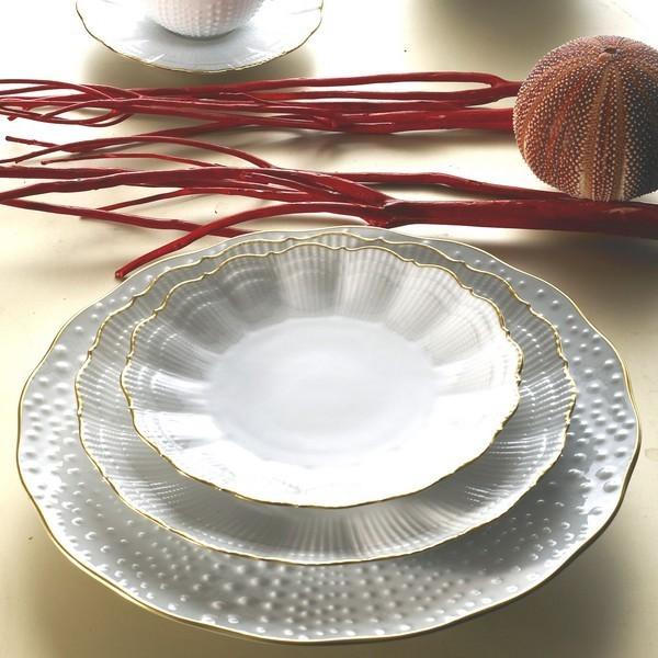 medard de noblat service de table corail or. Black Bedroom Furniture Sets. Home Design Ideas