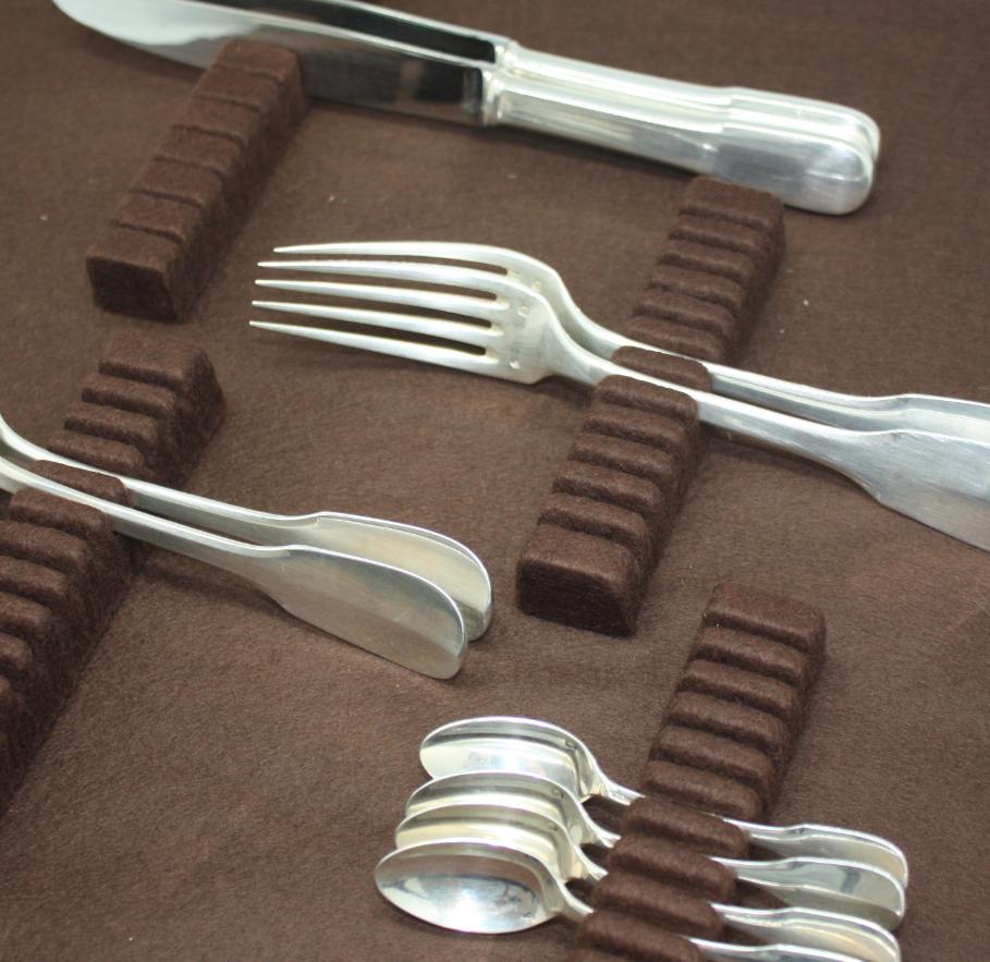 range couverts tiroir marron pour couteaux. Black Bedroom Furniture Sets. Home Design Ideas
